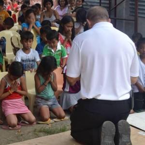 Celebrating Christmas in Cebu City and bringing hope to the families of Cebu