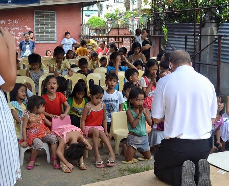 Celebrating Christmas in Cebu City and bringing hope to the families of Cebu